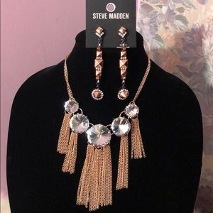 Steve Madden rose gold necklace & earring set. NWT